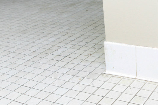 Ceramic floor tile refinishing